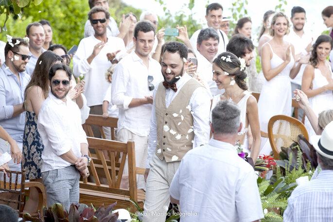 saída noivos cerimônia casamento