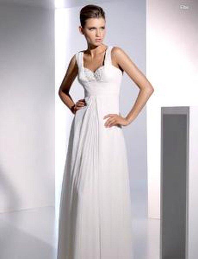 San Patrick 2010 - Elba, vestido largo en seda tableada, de talle alto, escote en forma de corazón con paillettes