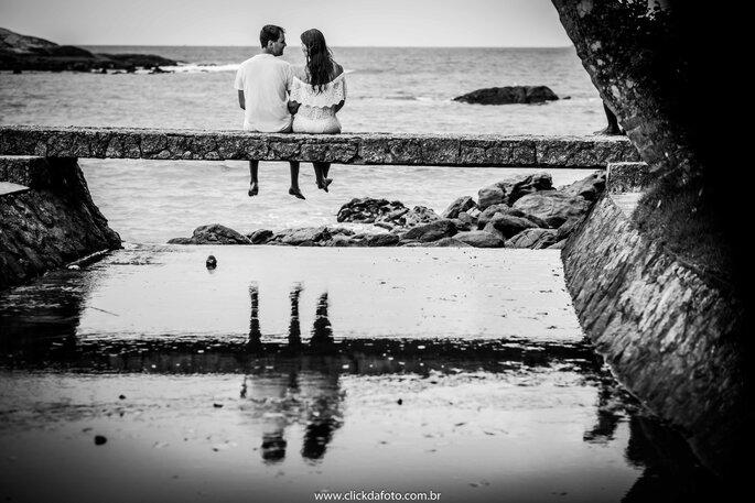 Ensaio noivos no mar