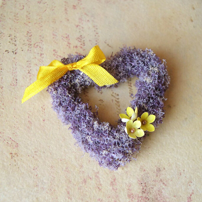 Foto: Mairitales http://mairitales.etsy.com (http://www.etsy.com/listing/92829725/lavender-heart-wreath-in-112-scale)