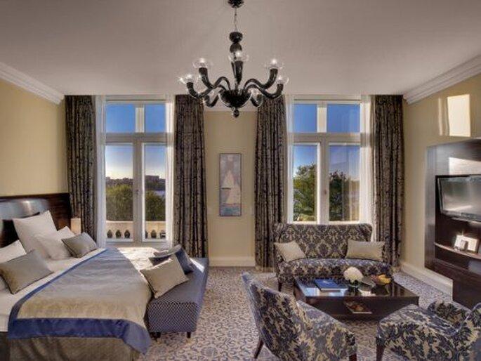 ihre hochzeitsg ste wohnen f rstlich im hotel kempinski. Black Bedroom Furniture Sets. Home Design Ideas