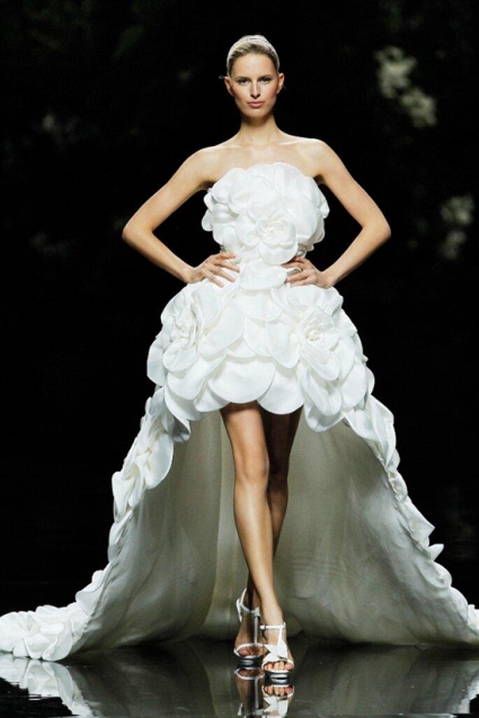 Extravagante Brautkleider, die einfach unvergesslich bleiben – von Pronovias – Foto: Pronovias Barcelona