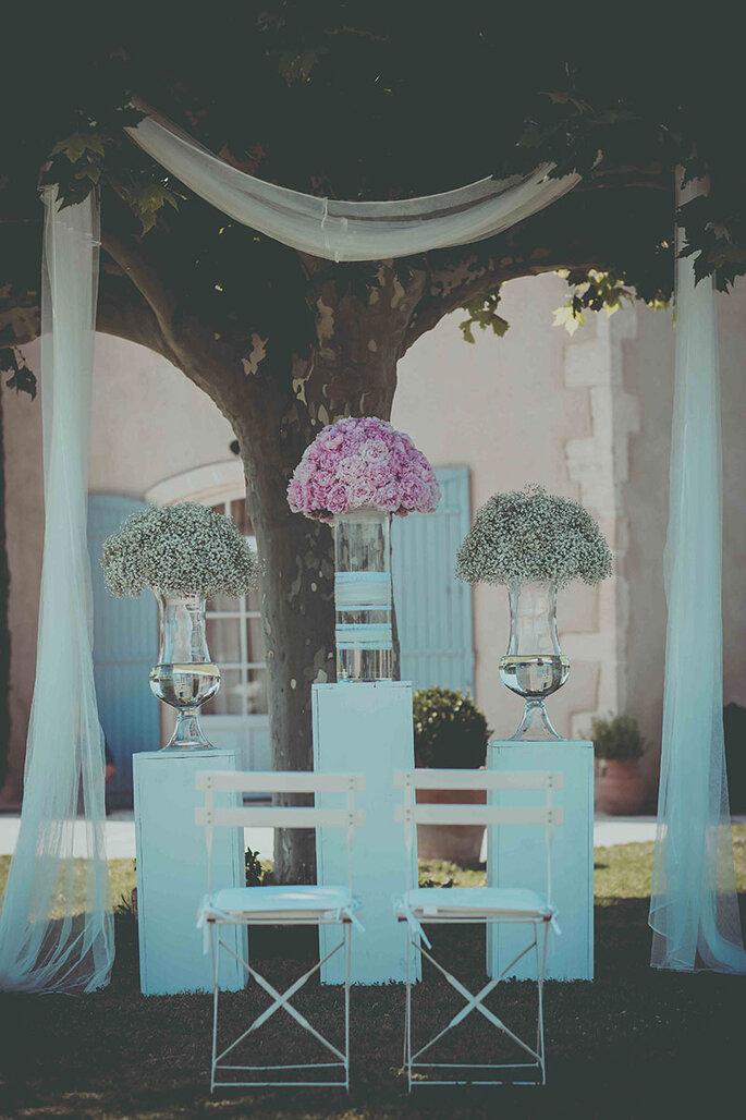 bouquets-boule-pivoines-autel-mariage-organisatrice-de-mariage-provence-marseille-cassis-vaucluse