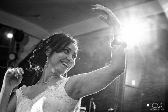 Captura los mejores momentos de la recepción y el baile en tu fotografía de bodas - Foto Arturo Ayala