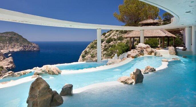 Фото: hotelhacienda-ibiza.com