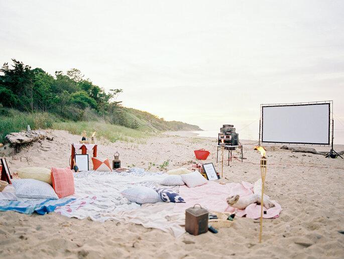 Junggesellinnenabschied Neflix Abend am Strand mit Picknick