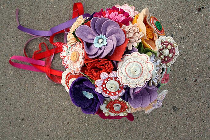 Bouquet Princess Lasertron elaborado con fieltro y botones