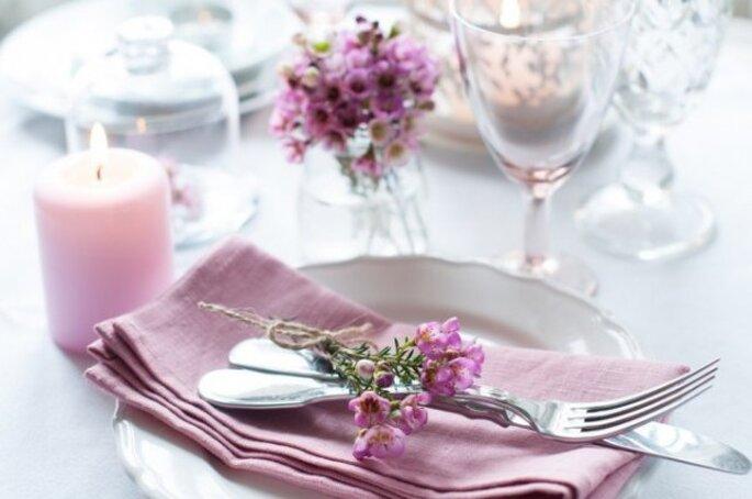 Los mejores acentos de color rosa para decorar tu boda - Foto Daria Minaeva by Shutterstock