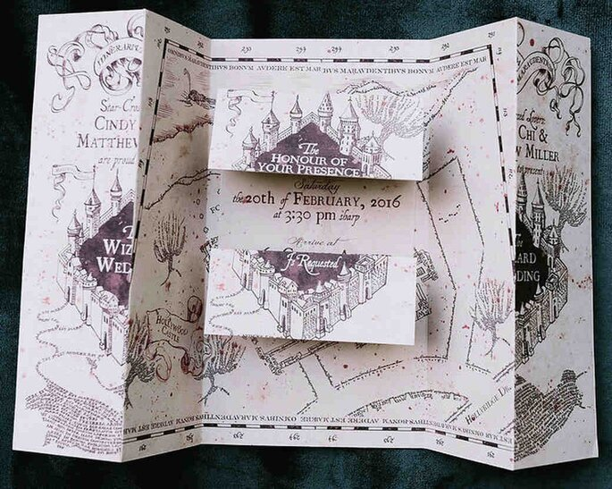 Einladung im Stil der Karte des Rumtreibers aus Harry Potter.