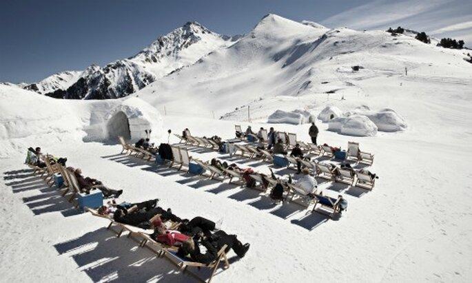 Umgeben von der malerischen Berglandschaft des Zillertals - Foto: White Lounge