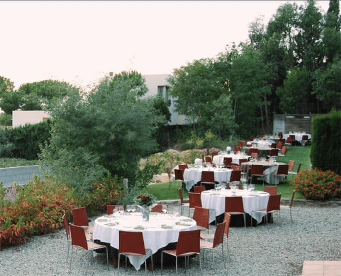 Boda en el exterior del Hotel Restaurant & Spa Mas Ses Vinyes
