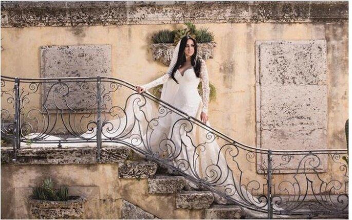 A cantora Marina Elli usa vestido Geraldo Couto