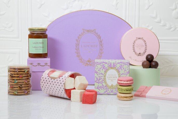 Souvent On craque pour les délicieux coffrets cadeaux de la Maison Ladurée EO84