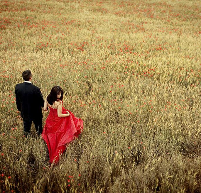 Las fotos de la postboda te dan la oportunidad de disfrutar una vez más de tu vestido. Foto: Puntodefoto