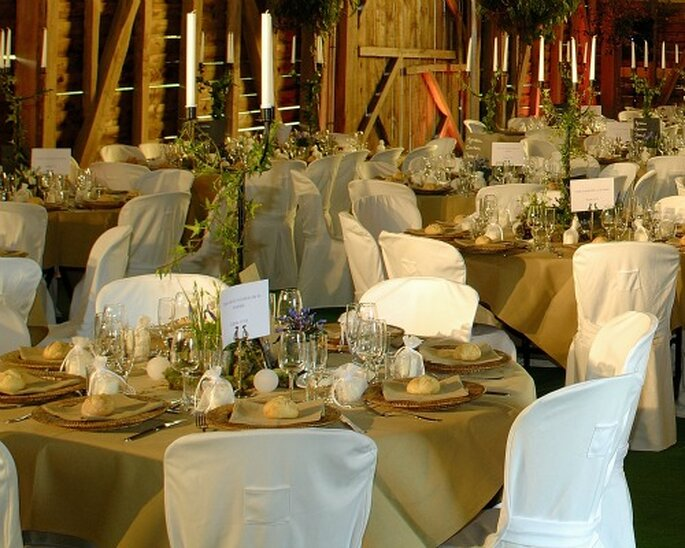 Choisir un thème de mariage permet de personnaliser la fête - Photo : Com'une Orchidée