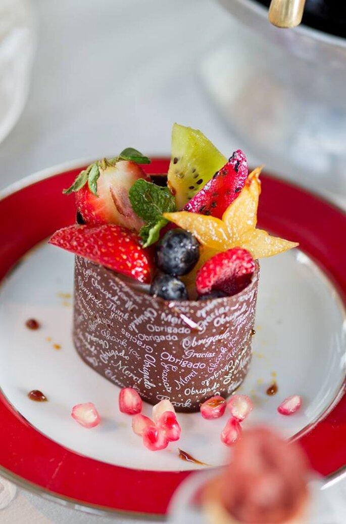 Tropicália de Frutas ao Mousse de Mascarpone em base de chocolate. Saint Morit's Buffet & Eventos - Foto: Henrique Peron Fotografia