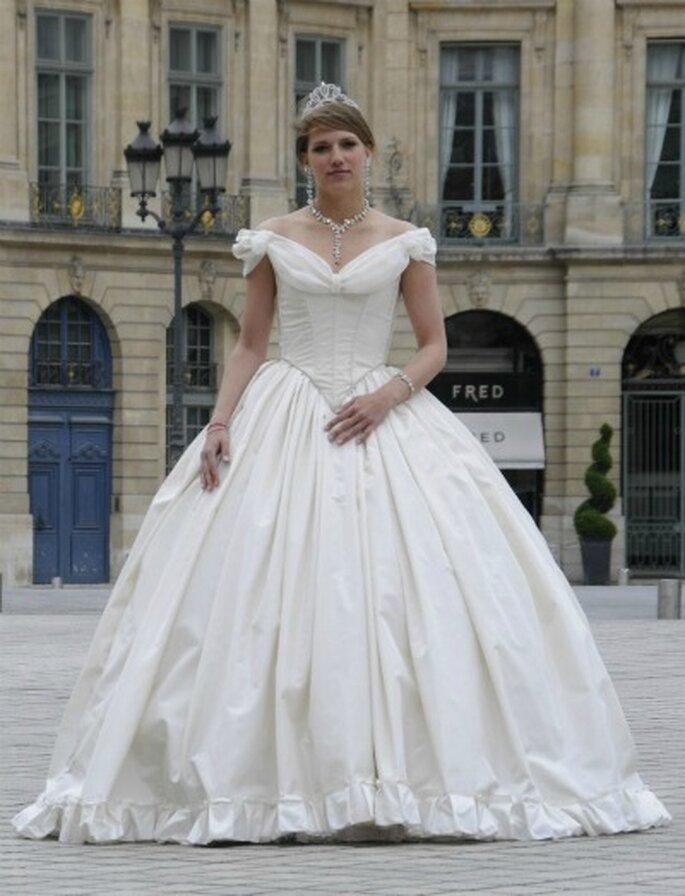 Agnès Szabelewski crée sur mesure la robe de mariée de vos rêves