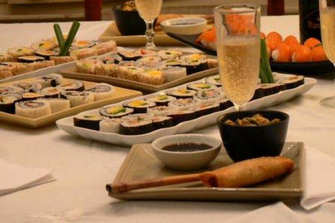 Elige sushi para la recepción de tu boda - Foto: Lorena Rizzo