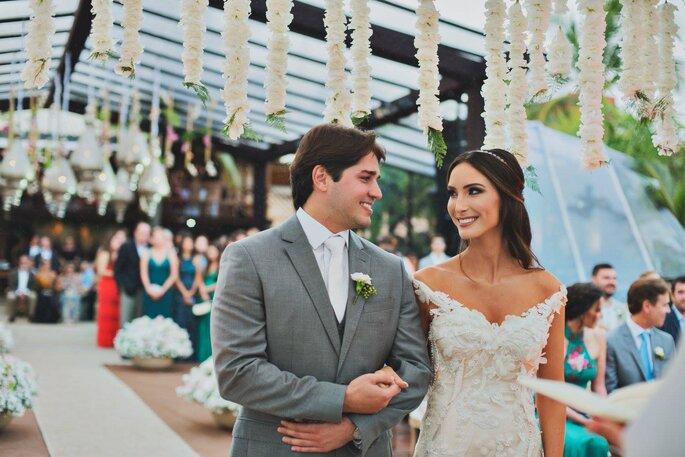 Noivos casando