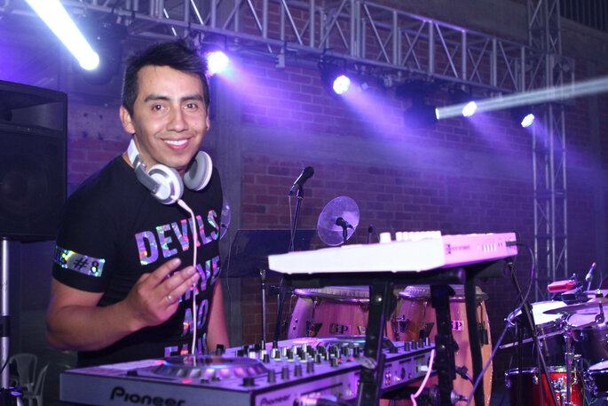 DJ Willy Flechas