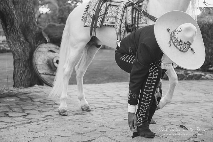 Real Wedding: Caballos, la novia más hermosa y un guapo novio vestido de charro - Foto Ana Luisa de la Torre