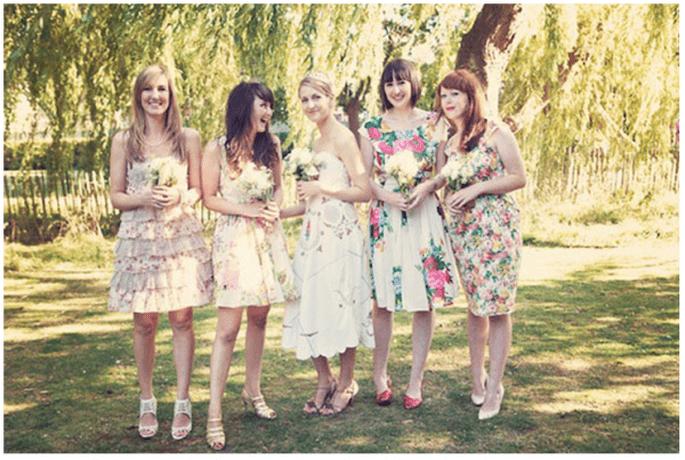Vestidos en tendencia para tus damas de boda - Foto Lisa Devlin