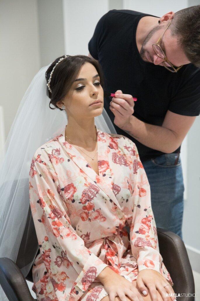 Maquiagem e cabelo da noiva: Bruno Mazzer - Foto: Riatla Studio
