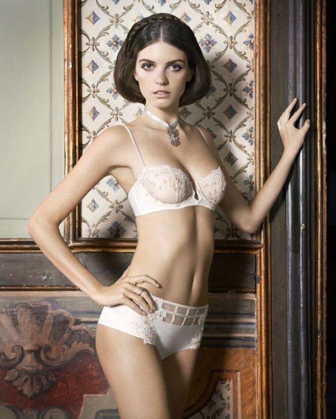 Para lucir sexy, nada como un conjunto de lencería en color blanco - Foto La Perla