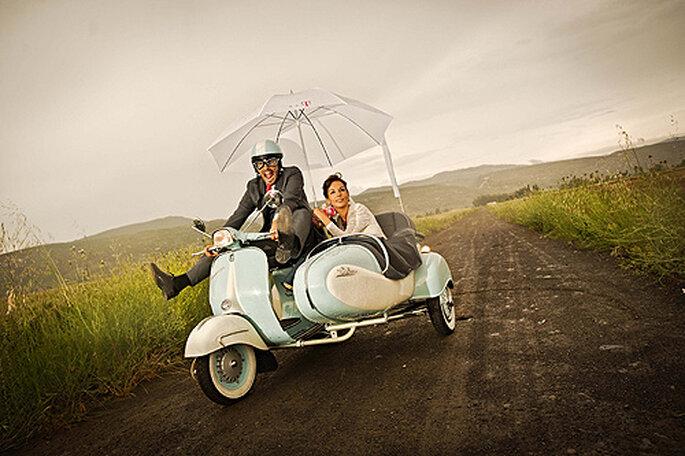 ¿Te atreves a escoger un marco original para tus fotos de boda? Foto: El Marco Rojo