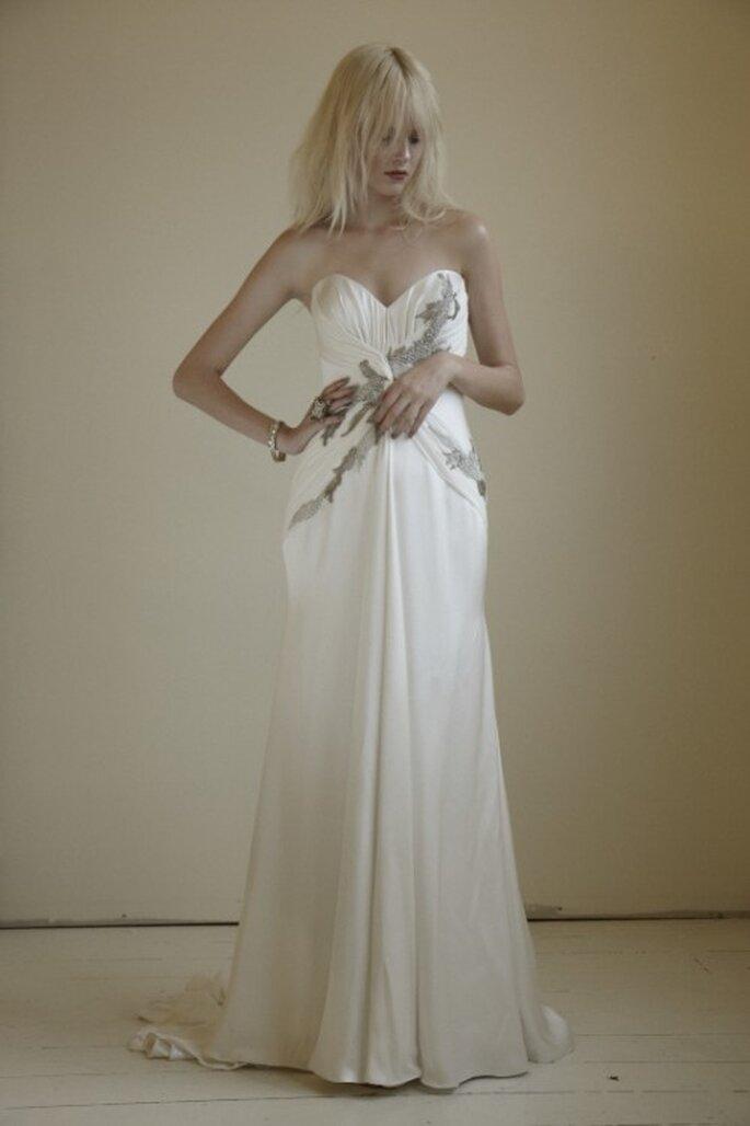 Vestido de novia strapless y con bordado - Foto Mariana Hardwick 2013