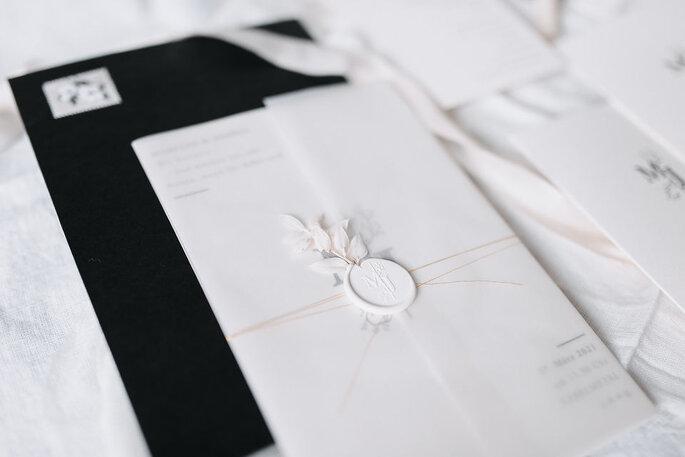 Hochzeitspapeterie weiss modern