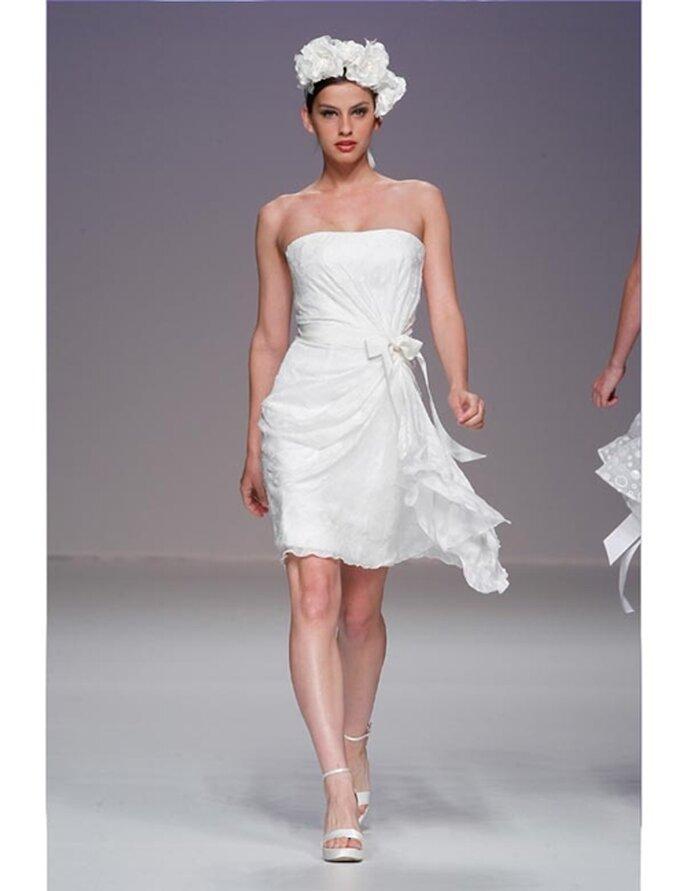 Kurzes Brautkleid von Cymbeline aus der Kollektion 2012