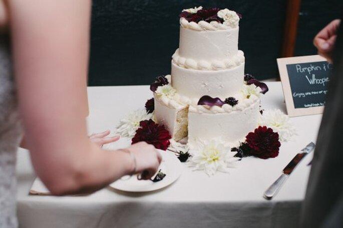 Consejos para comprar tu pastel de bodas - Foto Alexandra Roberts