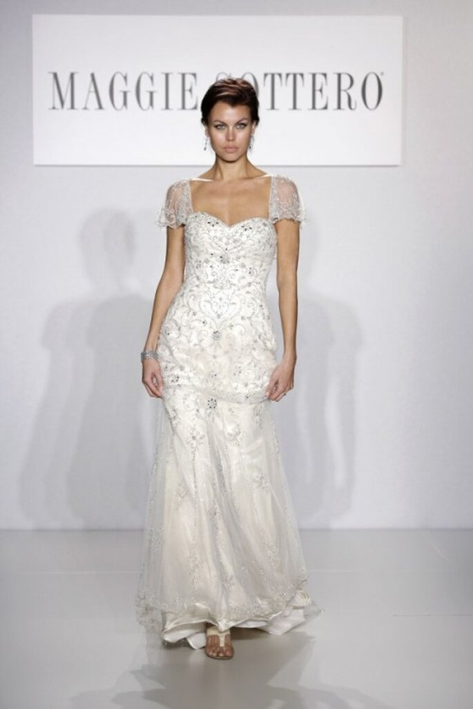 Vestido de novia 2014 con apliques y mangas cortas - Foto Maggie Sottero