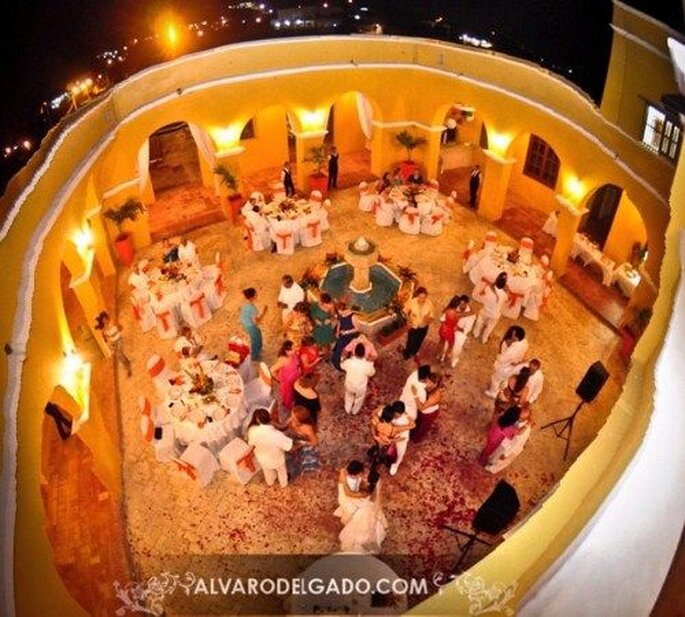 ausgelassenes Tanzen bei der Hochzeitsfeier - Foto: alvaro delgado