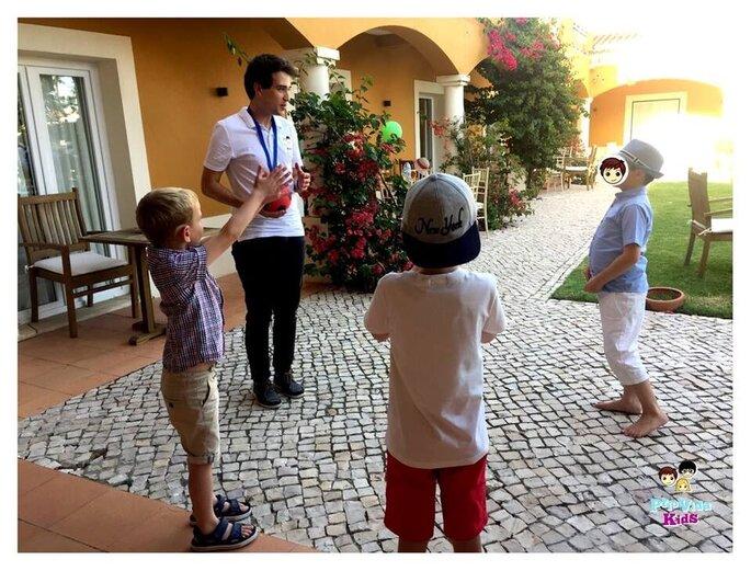 Serviço de babysitter da PrioVida Kids