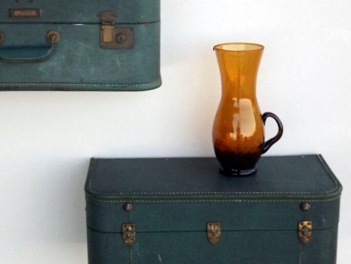 Estantes con maletas, a la venta en Etsy. Foto: Quirks by Annie