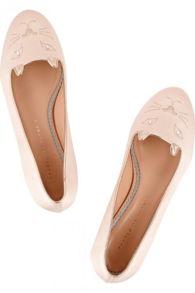 Flats con motivos de animalitos como tendencia en zapatos de novia 2015 - Foto Charlotte Olympia en Net a Porter