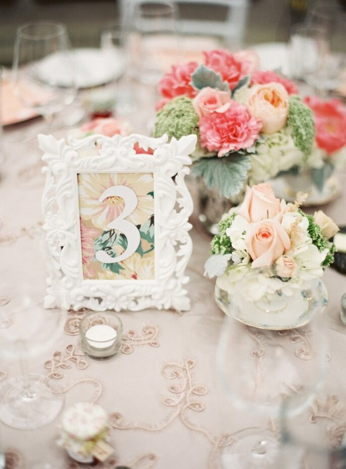 Mucha vida en el banquete decora las mesas de tu boda con for Ikea cornici e immagini