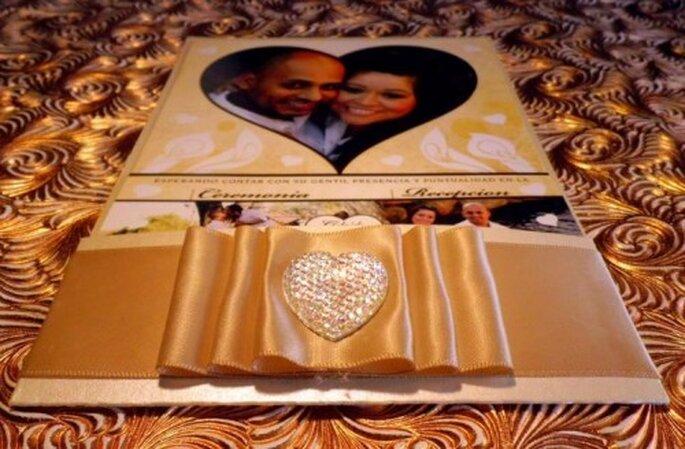 Invitaciones para boda. Foto del sitio de Víctor Jacobo, Diseño Gráfico.