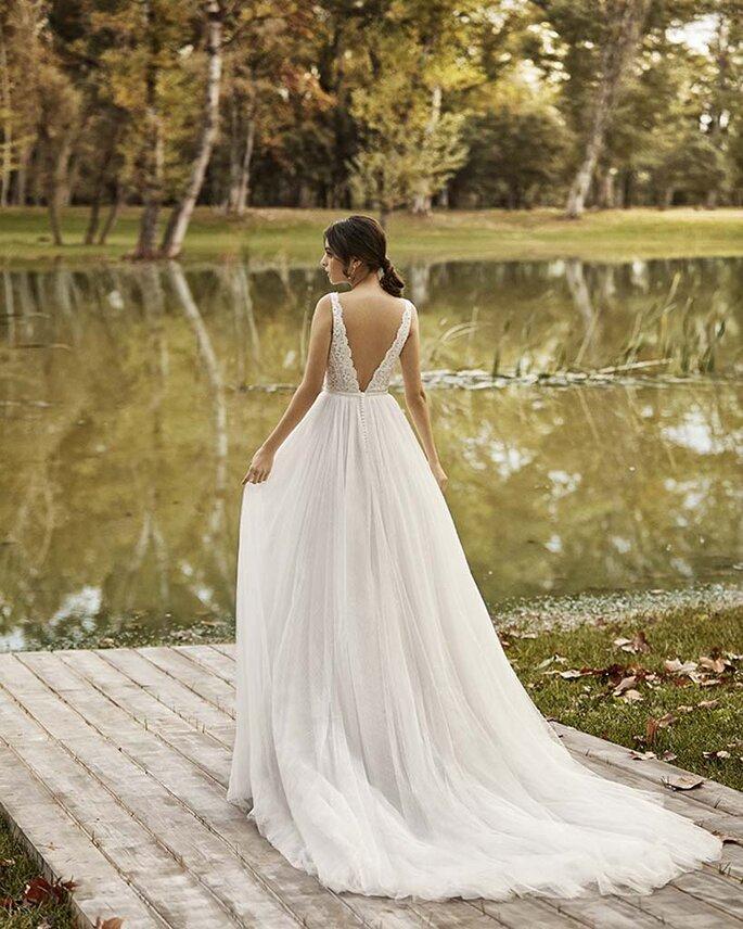 Osmoz Mariage - un modèle portant une robe Rosa Clara de chez Osmoz Mariage