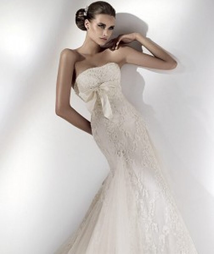 Elie Saab Caliope - strapless mermaid-style dress with lace and bow under bust