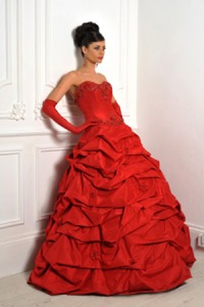 Roxy by Hollywood Dreams, dress in red with layered skirt and decorated bodice
