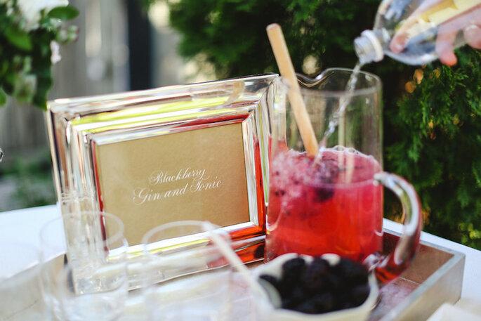Barra de cocoteles con alcohol para tu boda - Pill Photography