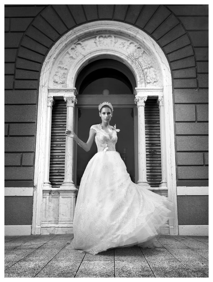 Alessandra F Couture - Grace