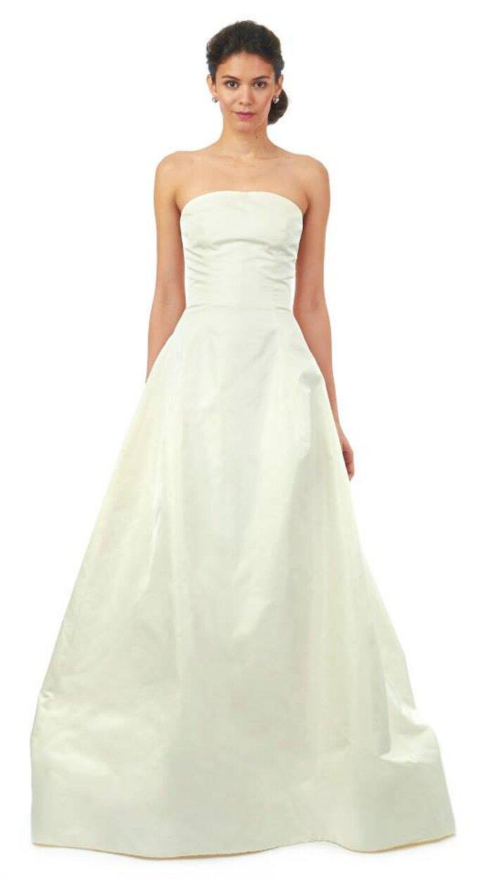 Vestido de novia con escote estrapless y estilo minimalista para otoño 2014 - Foto: Oscar de la Renta