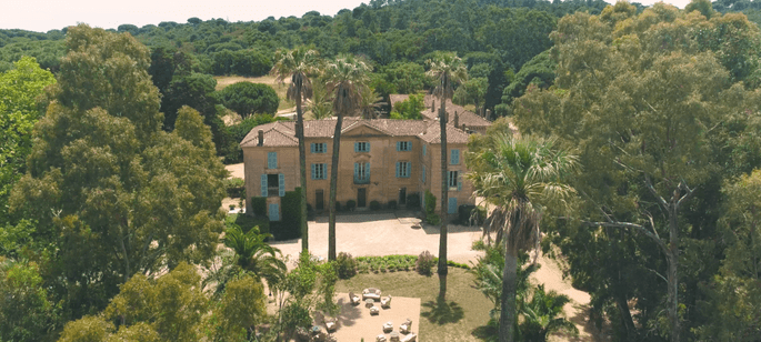 Vue d'ensemble du Château de Pampelonne et de ses jardins
