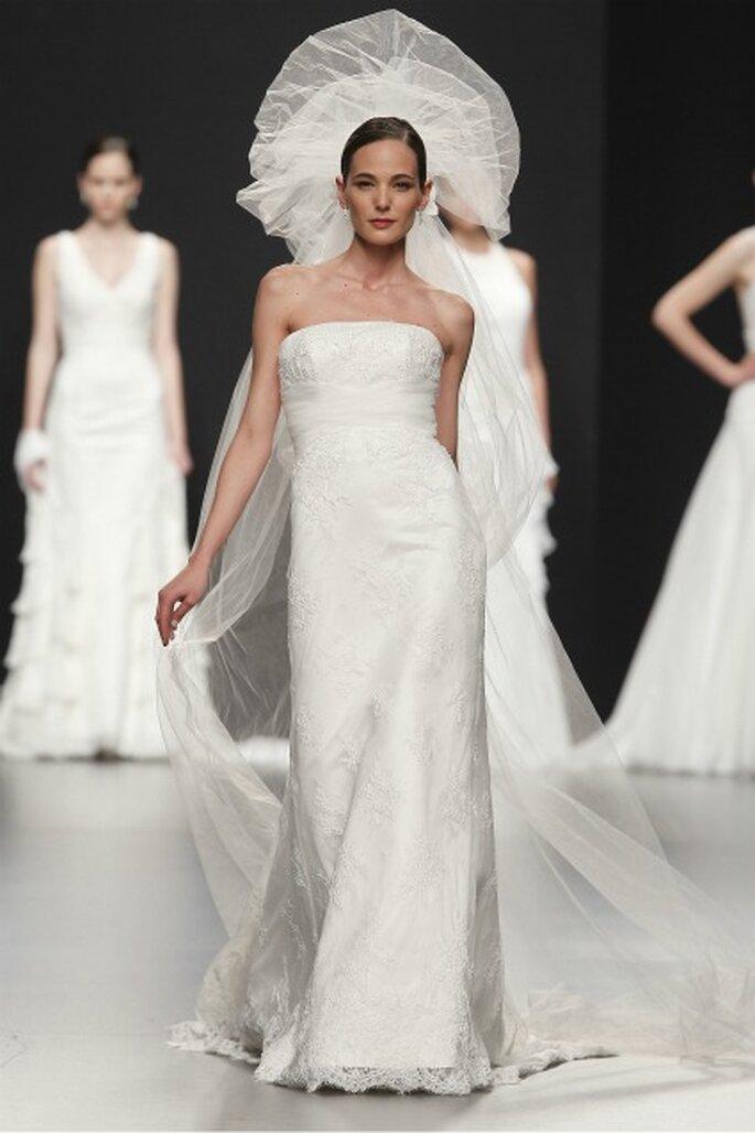Ricos bordados en los vestidos de novia Charo Peres 2012 - Ugo Camera / Ifema