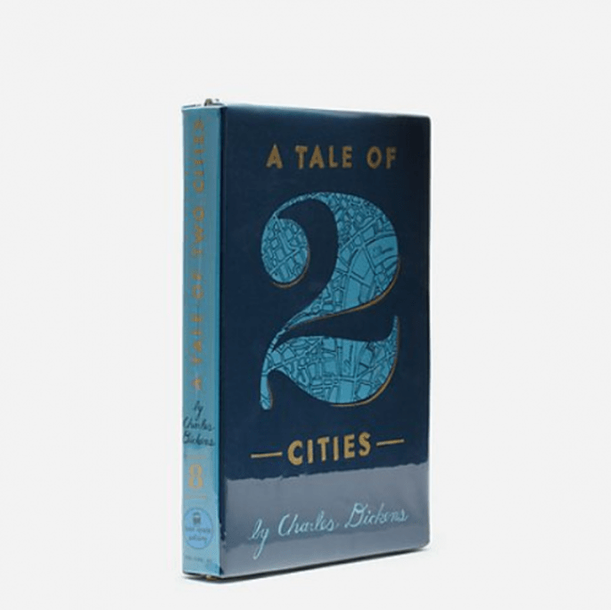 "Bolso de fiesta con forma de libro ""A Tale of 2 Cities"" - Foto Kate Spade"