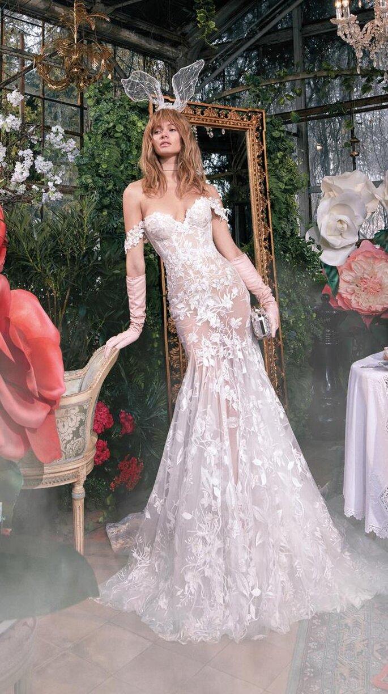 Vestido de novia con transparencias en encaje